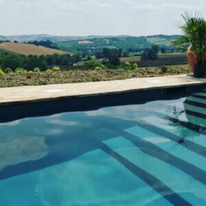 CasaVostra Ambience Suites Marche Italien pool